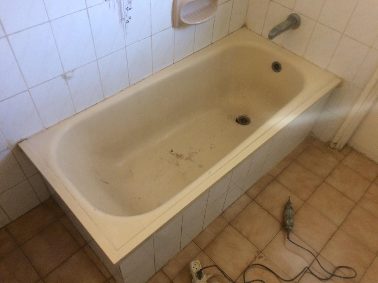 ציפוי ותיקון חלודה באמבטיה בדירה בגבעתיים