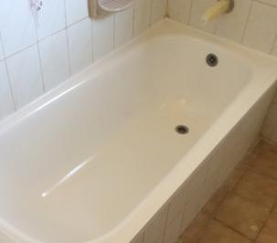 ציפוי ותיקון חלודה באמבטיה בגבעתיים