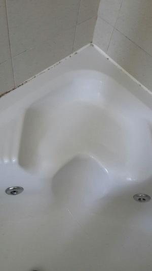 תיקון שבר באמבטיה אקרילית